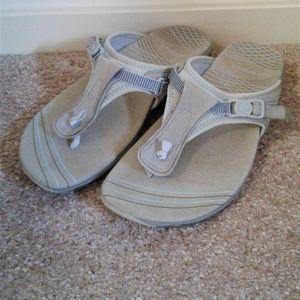 Merrell Flip Flops Size 6 Sky Blue